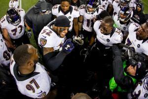Ray Lewis motive ses troupes avant la finale de conférence AFC contre les Patriots
