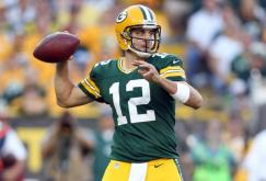 3. Aaron Rodgers (Green Bay Packers) : 371/552 (67.2%) - 4295 yards (268.4/match) - 39 TD - 8 INT - 108 rating