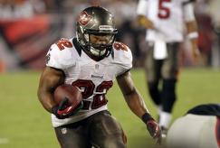 6. Doug Martin (Tampa Bay Buccaneers) : 319 courses - 1454 yards (90.9/match) - 4.6 yds/course - 11 TD