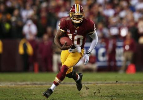6. Robert Griffin III (Washington Redskins) : 258/393 (65.6%) - 3200 yards (213.3/match) - 20 TD - 5 INT - 102.4 rating