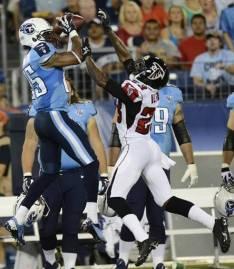Grosse défense des Titans face aux Falcons