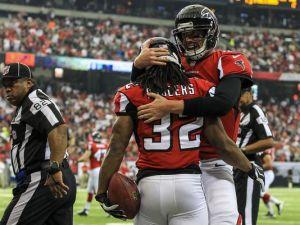 Matt Ryan, Jacquizz Rodgers et les Falcons retrouvent le chemin de la victoire
