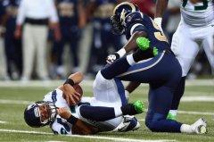 Wilson et les Seahawks ont souffert mais s'imposent grâce à leur défense