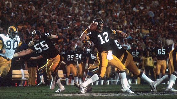 Terry Bradshaw. Ses sept seuls match au-dessus de 300 yards, il les a sorti en playoffs et Super Bowls.
