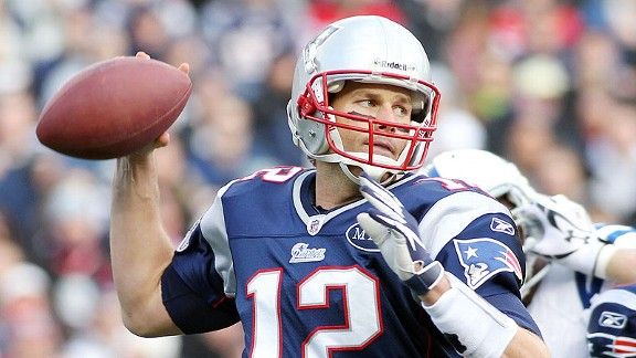 Tom Brady. L'autre grand QB des années 2000. Il détient le plus grand nombre de victoire en playoffs, 18 dont 3 Super Bowls.