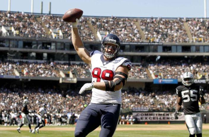 J.J Watt est surement le meilleur défenseur de la NFL, et maintenant il marque des touchdows (photo : torotimes)