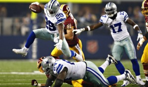 DeMarco Murray bat des records et les Cowboys surpassent les pronostics (CBS)