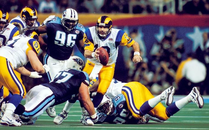 Kurt Warner lors de la victoire des St Louis Rams sur les Tennessee Titans au Super Bowl 34