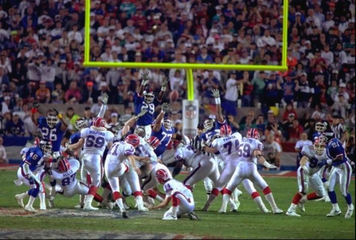 """Wide Right"" ! Norwood manque le field-goal et les Giants l'emportent (photo : ny daily news)"