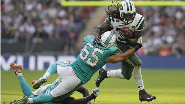 Chris Ivory et les Jets dominent les Dolphins à Wembley (AP)