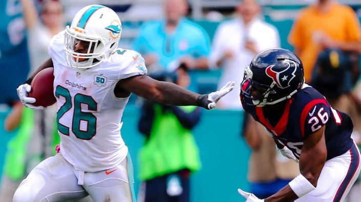 Démonstration offensive de Lamar Miller et des Dolphins face à Houston (Steve Mitchell USAT Sports)