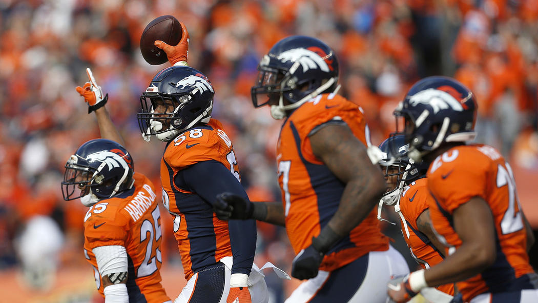 Von Miller (58) en leader défensif (Joe Mahoney, AP)