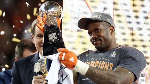 Von Miller, MVP du Super Bowl (CBS)