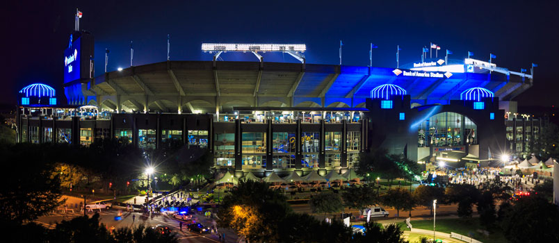 Le Bank of America Stadium de nuit