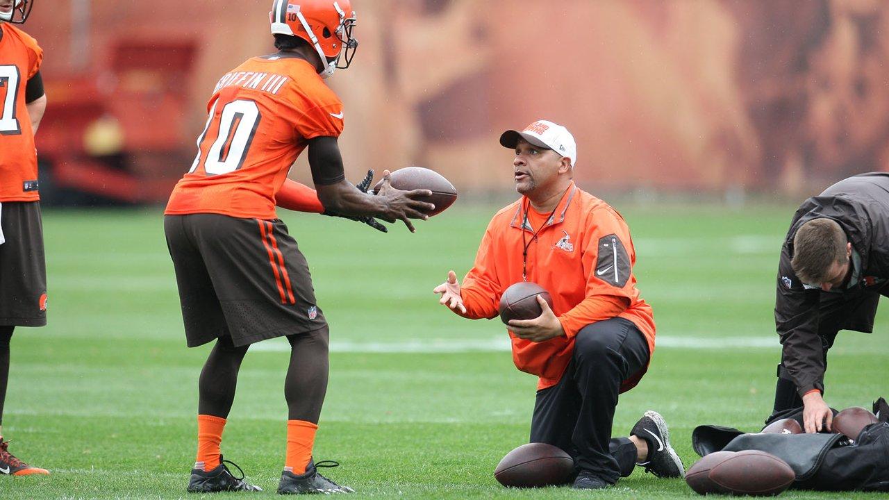 Hue Jackson, ici avec RGIII, le sauveur des Browns ? (ClevelandBrowns.com)