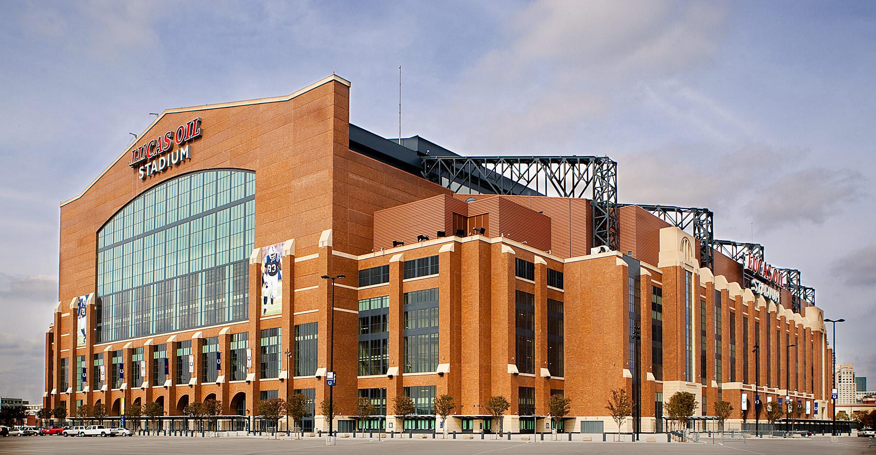 Le Lucas Oil Stadium offre un design unique pour un stade de football