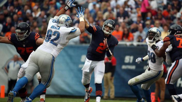 Brian Hoyer, solide pour aller chercher la première victoire des Bears (Chicago Tribune)