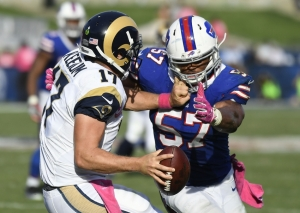 Lorenzo Alexander, leader de NFL avec 7 sacks (USA Today)