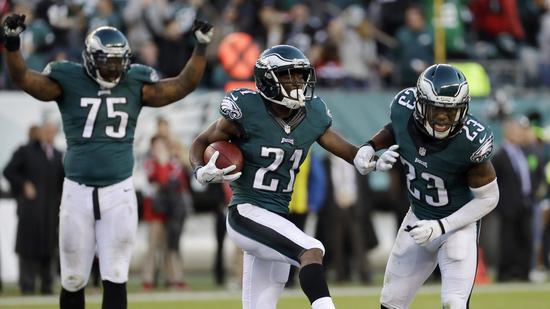 La défense des Eagles a su ralentir Matt Ryan (AP)
