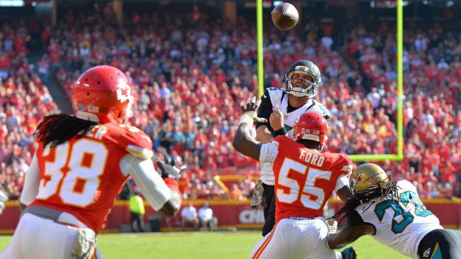 Sans plusieurs titulaires, les Chiefs misent sur leur défense pour s'imposer (USA Today)