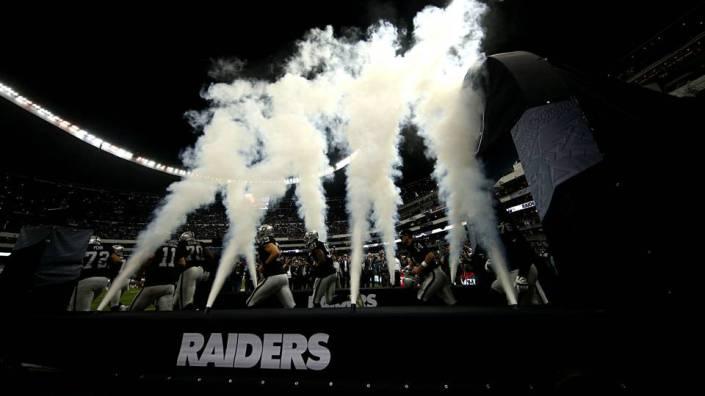 Les Raiders entrent dans un Estadio Azteca acquis à leur cause (Getty)
