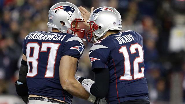 Tom Brady est peut-être le meilleur QB de l'histoire, mais Gronk va lui manquer (NESN)